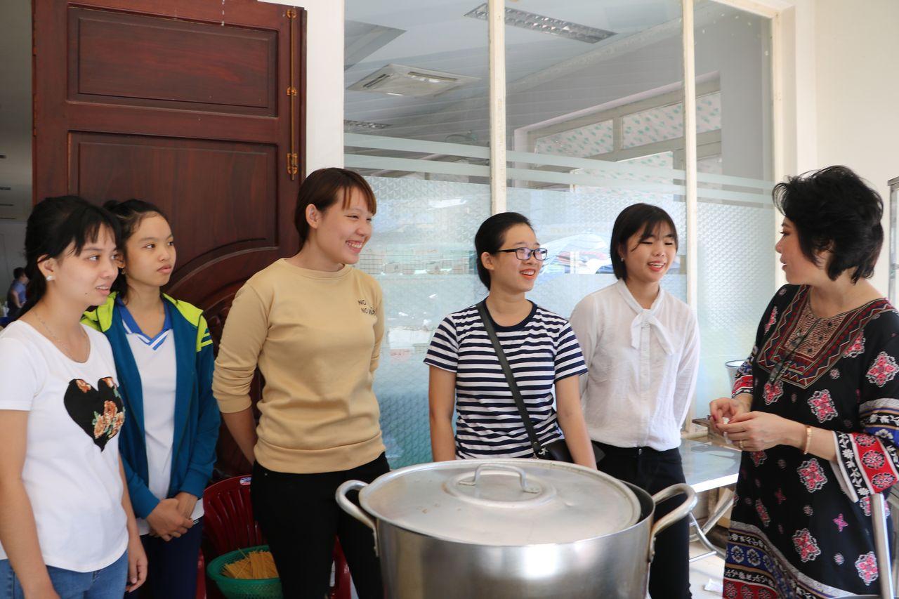 LOng Xuyen (2) Préparation du repas de fête